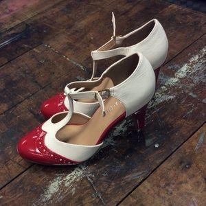 Chelsea Crew red & white heels size 6